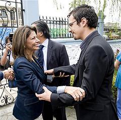 La presidente firma la legge che approva le unioni gay in Costa Rica