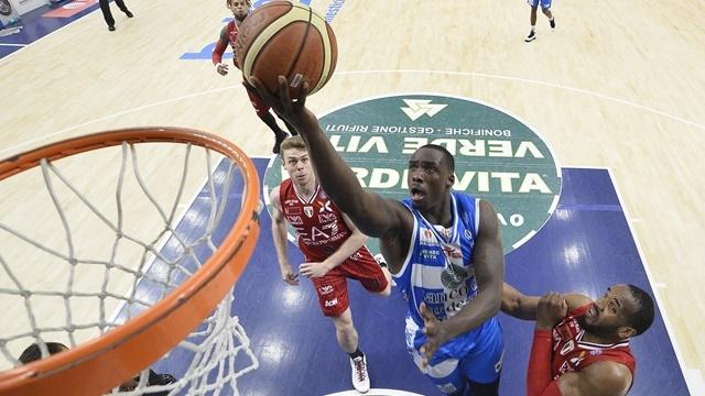 L'Olimpia Milano batte la Dinamo Sassari
