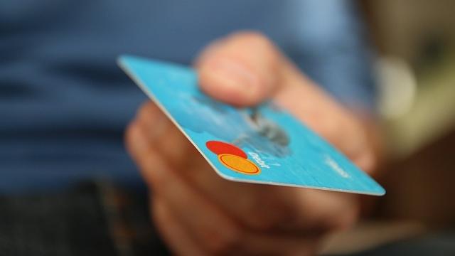 Richiedere una carta di credito online