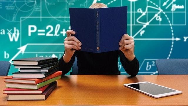 Recuperare anni scolastici con corsi online