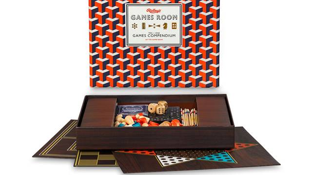 Consigli per i regali: set di giochi da tavola classici