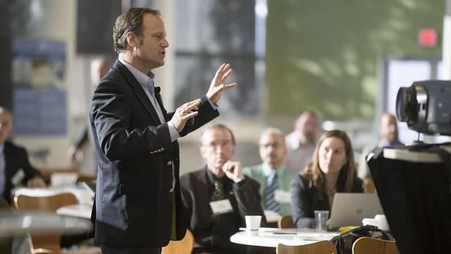 Coach public speaking
